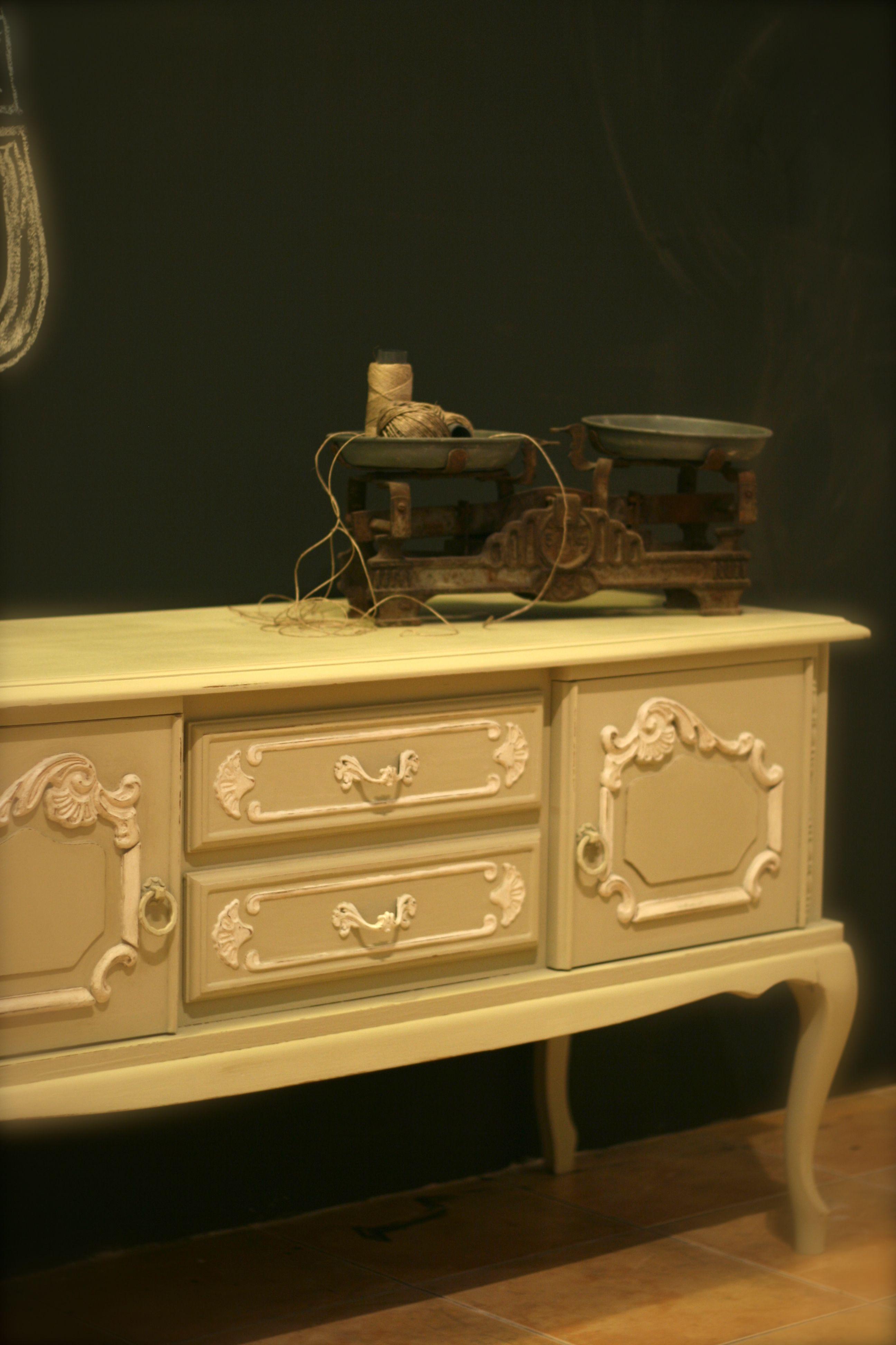 Versailles and Old White--Brush by MacDonald Wlodarski, Warsaw ...