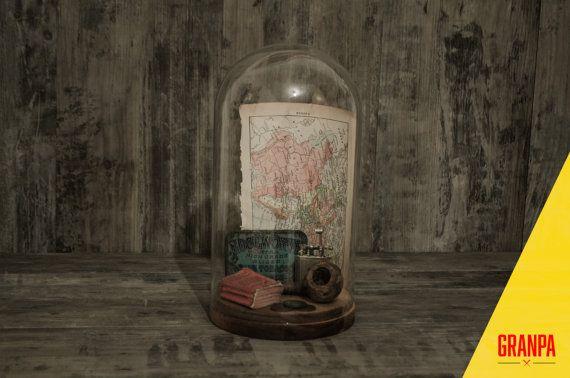 Cloche di vetro tema viaggiatore vintage/Glass cloche/Cloche vintage