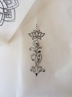 Bildergebnis für unalome Lotus Tattoo auf dem Oberarm #Bild #Lotus #O  #bild #flowertattoos