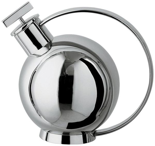 Alessi Bauhaus Cocktail Shaker or was it designed Sylvia Stave from Sweden?