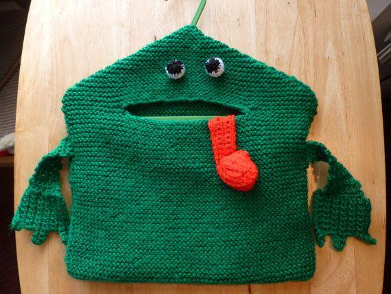 Hand Knitted Novelty Frog Clothes Peg Bag | peg bag | Pinterest