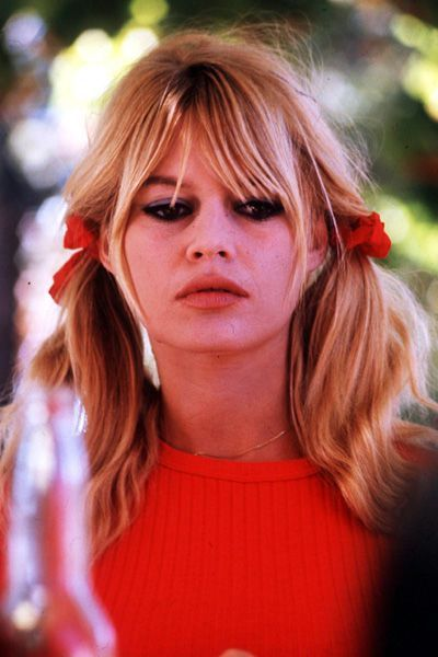 Brigitte Bardot Le Style Mythique D Une Icone Brigitte Bardot Coiffure Coiffures De Star