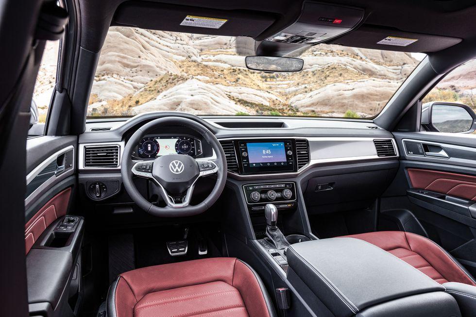 See Photos Of The 2020 Volkswagen Atlas Cross Sport In 2020 Volkswagen Volkswagen Interior Atlas
