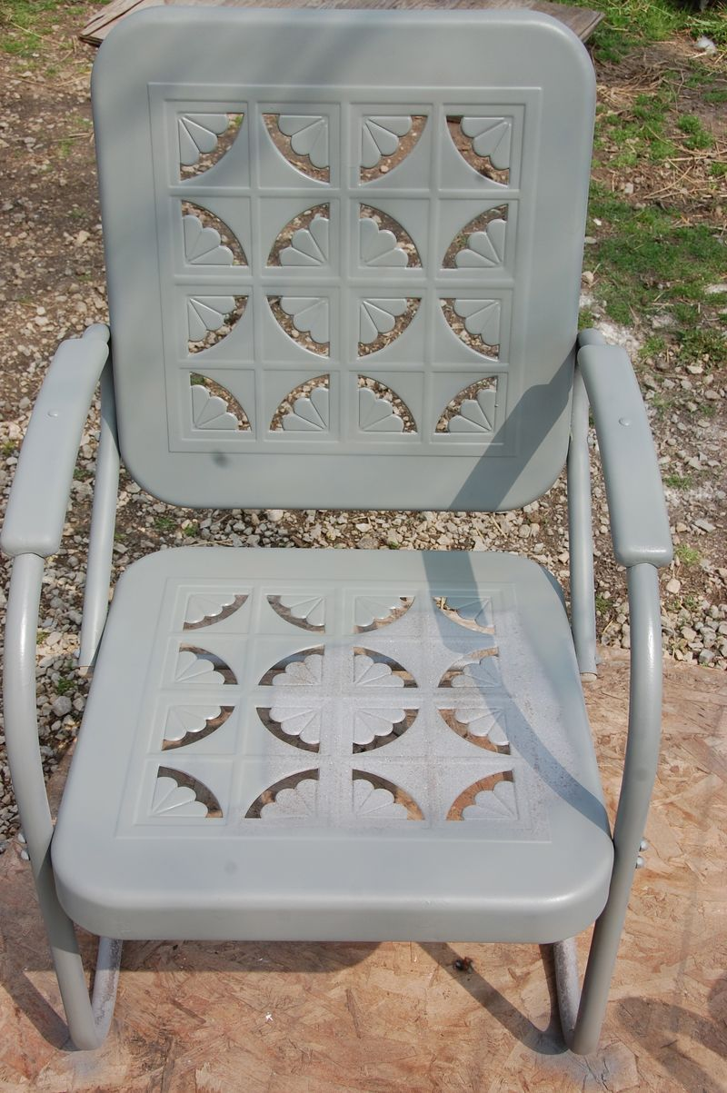vintage metal rockers | Our Life On The Hill My vintage metal gliders chairs and benches are . & My vintage metal gliders chairs and benches are getting a new look ...