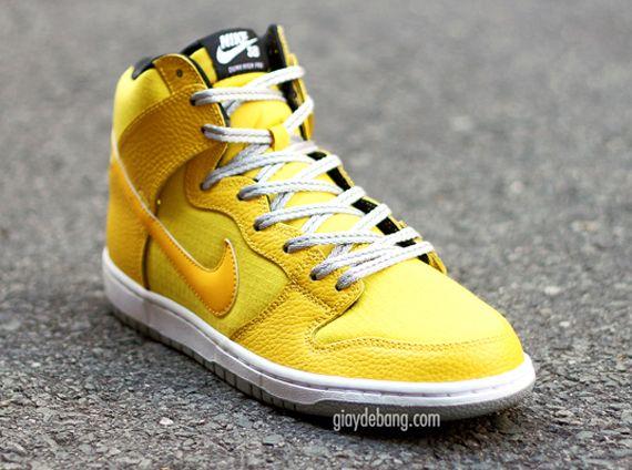 "Nike SB Dunk High ""Yellow Rip-stop"""