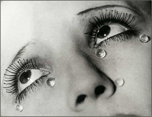 """Foto genomen door Man Ray """"Les Larmes 1932"""". #Manray"""