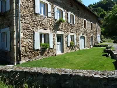 Vente Propriete Avec Gites Et Chambres D Hotes En Auvergne Chambre D Hote Maison D Hotes Auvergne