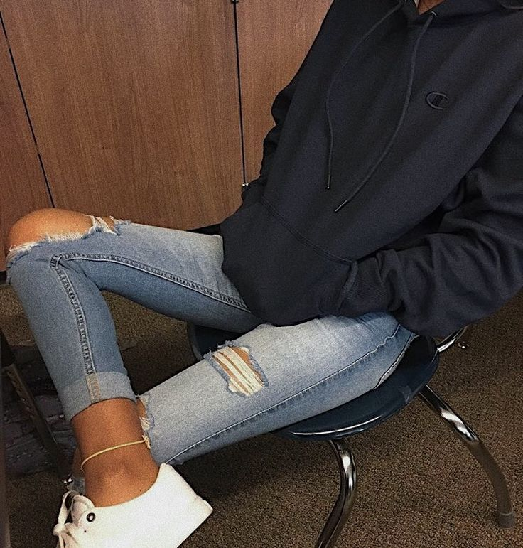 Comfy teen outfits Hoodie: champion Jeans: Hollister Shoes: vans Anklet: its   Outfit