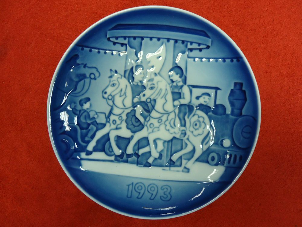 BING /& GRONDAHL CHILDREN/'S DAY WALL PLATE CHILDREN