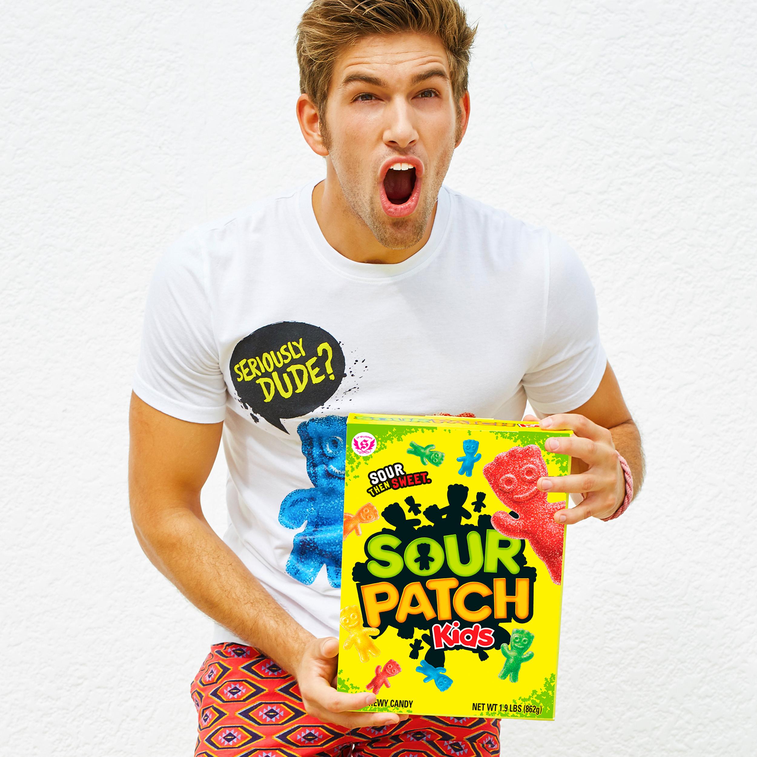 World S Largest Box Of Sour Patch Kids Sour Patch Kids Sour Patch Sour Patch Kids Gift