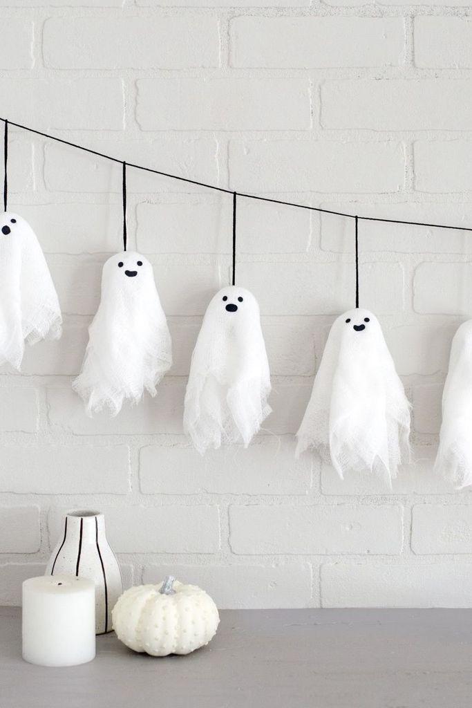20 Cheap and Easy DIY Halloween Decoration Ideas