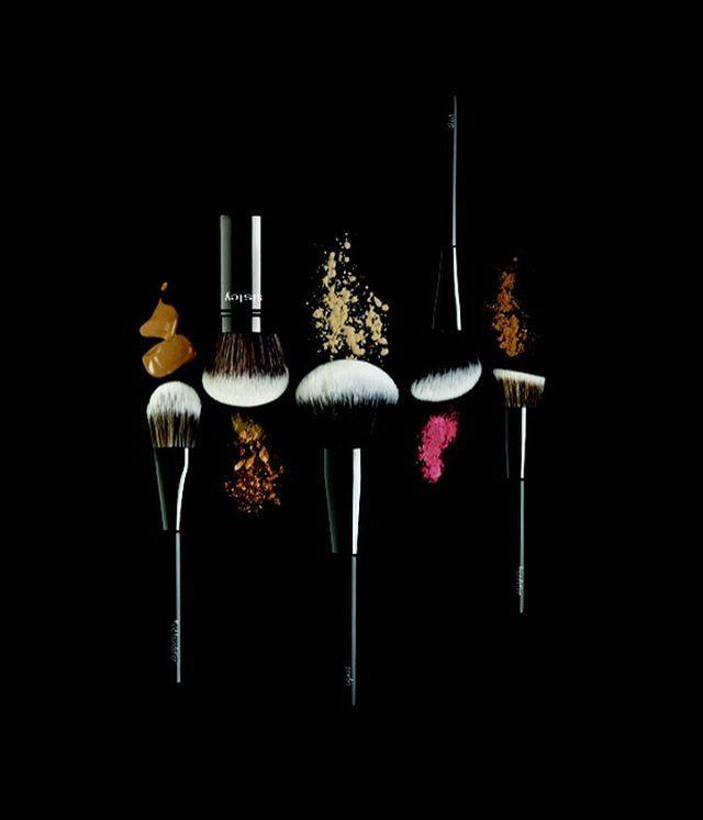 Sisley выпускает коллекцию кистей для макияжа. О том чем она хороша рассказывает французский визажист марки Англома больше на сайте. #beauty #sisley @sisleyparisofficial #fashion  via VOGUE UKRAINE MAGAZINE OFFICIAL INSTAGRAM - Fashion Campaigns  Haute Couture  Advertising  Editorial Photography  Magazine Cover Designs  Supermodels  Runway Models