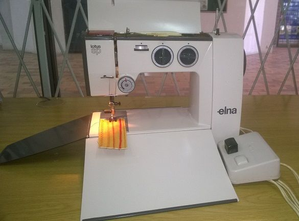Elna Lotus SP Preowned Excellent Condition Nice Swiss Made Small Gorgeous Elna Lotus Sp Portable Sewing Machine