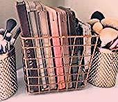 Photo of How To Organize Your Vanity Like A Beauty Junkie,  #beauty #DreamHouseRoomstips #Junkie #orga…