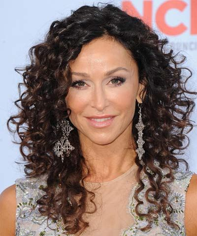 4 Youthful Hairstyles For Women Over 40 Curly Hair Styles Long Curly Haircuts Curly Hair Styles Naturally