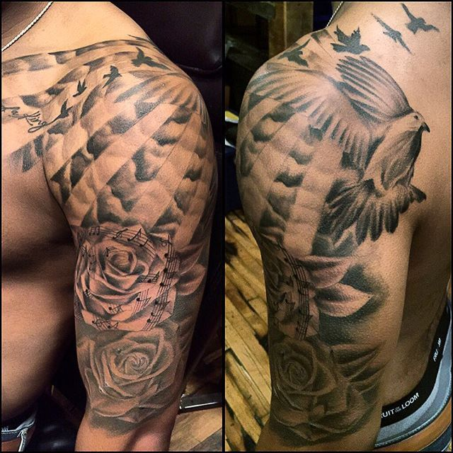 Men Chest And Upper Sleeve With Nice Flowers Tattoo: Freehand Half Sleeve For Men (met Afbeeldingen)
