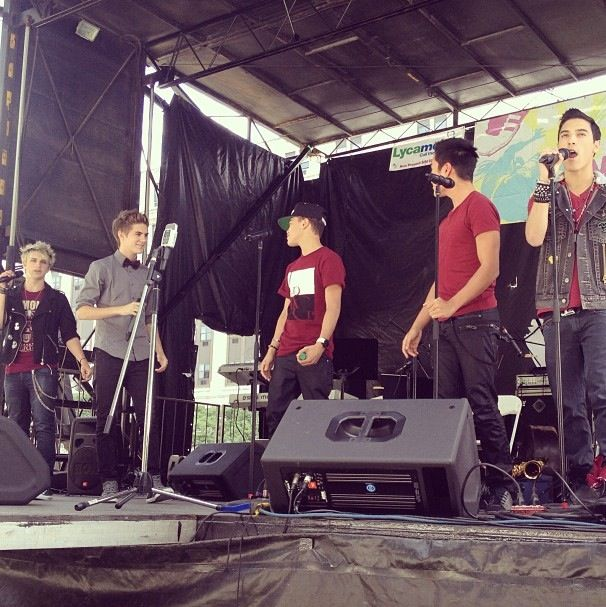 Sound check at Lincoln park in Newark,New Jersey (BTW this is happening right now)