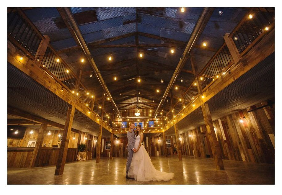 Red Acre Barn Wedding Des Moines Iowa By ZTS Photo Photographers Sarah