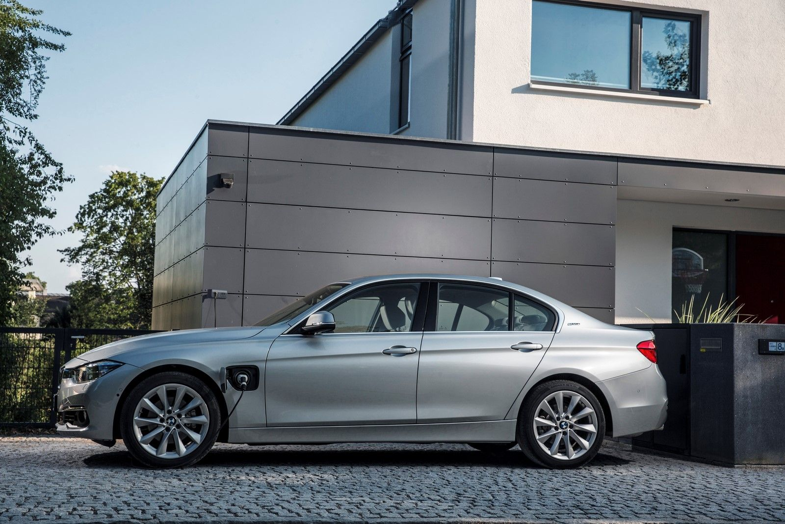 2016 Bmw 3 Series Edrive 330 Gets Priced At Us 44 695
