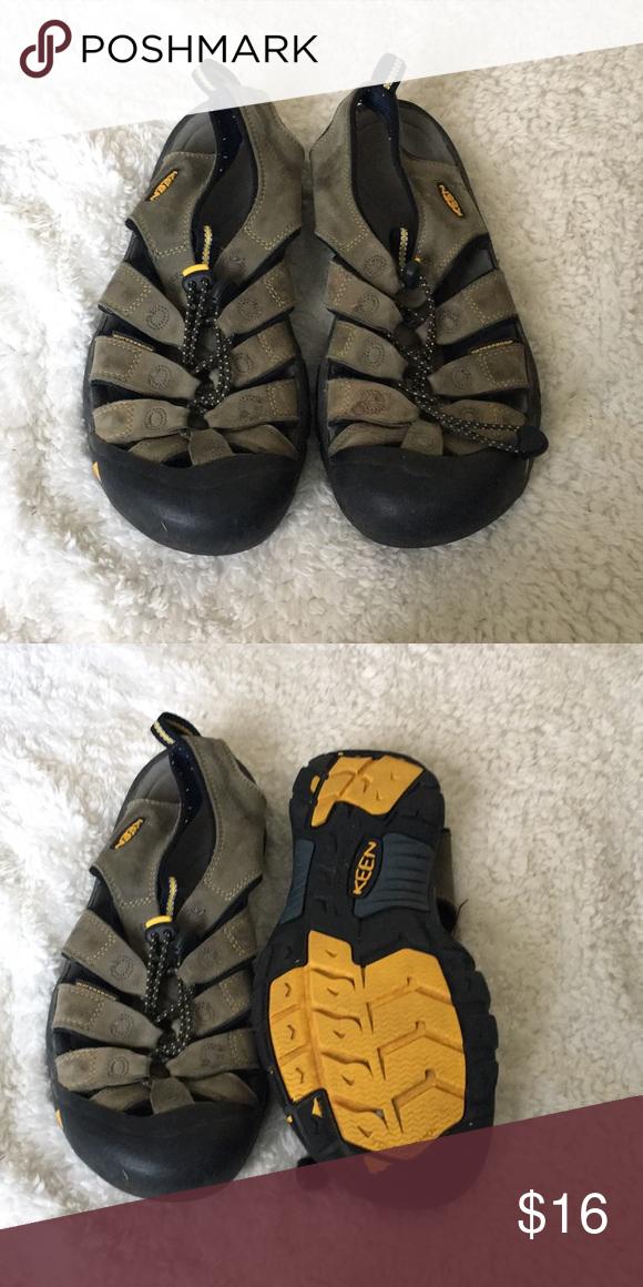 7b0e19b54b1c Men s keen sandals size 10 Great condition men s men s size 10 Keen Shoes  Sandals   Flip-Flops