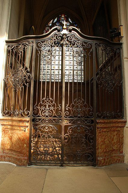 Ornate Iron Gates In Paris Church Iron Gates France Metall