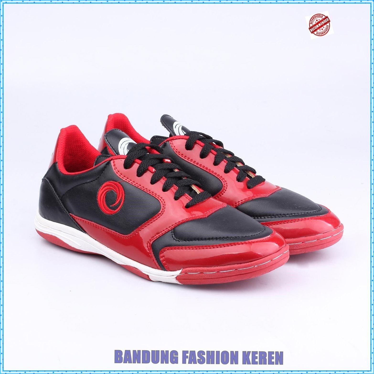 Sepatu Futsal Pria Ns 071 Produk Fashion Handmade Terbaik 100 Persen Asli Produk Indonesia Asal Bandung Kota Paris Van Java Produk Terbar Sepatu Hitam Pria