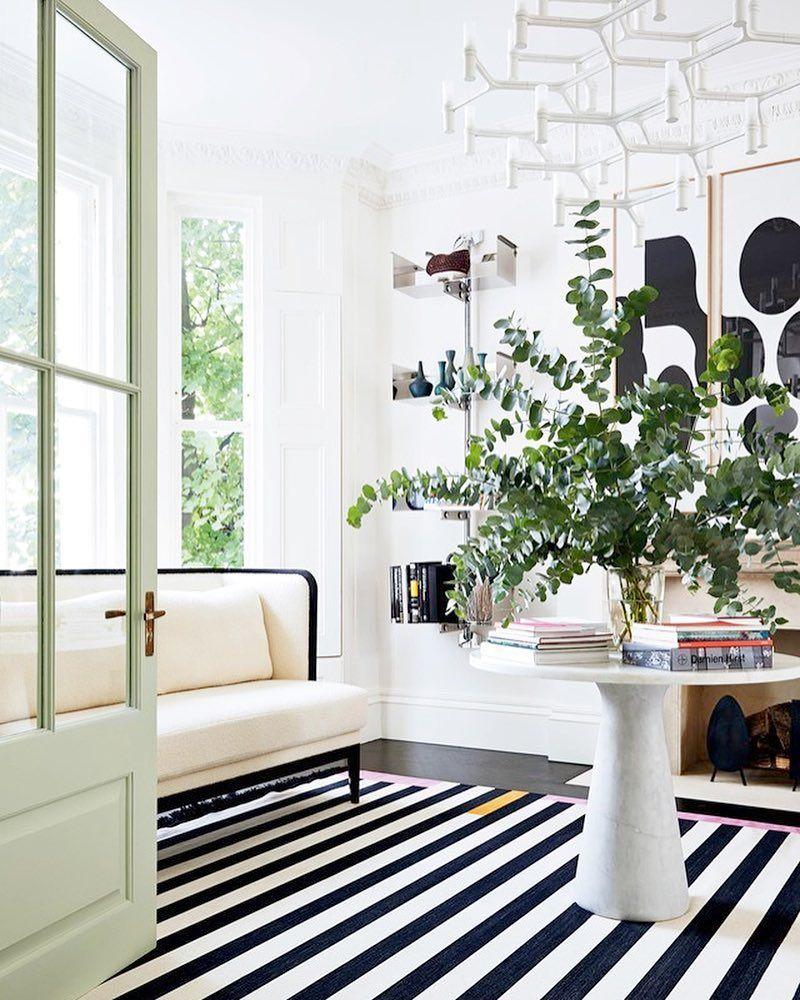 De Haute Qualite Via @kfogara On Instagram Maison Bourgeoise, Maison Familiale, Jolie Maison,  Décoration Maison