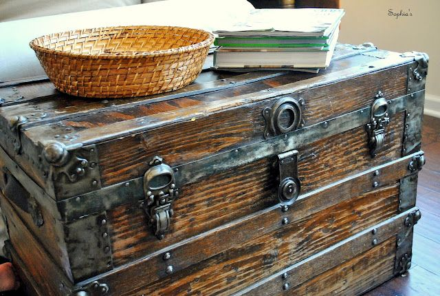 Love This Old Trunk Restored Old Trunks Trunk