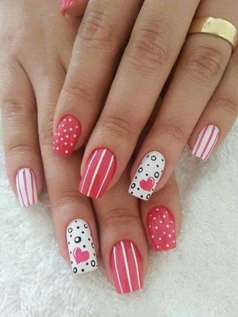 Puntos lineas | Nail designs valentines, Valentine nail art, Heart nail  designs