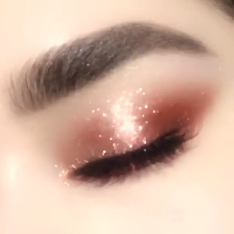 Rose Gold Color Eye Shadow -   12 hair Rose Gold make up ideas