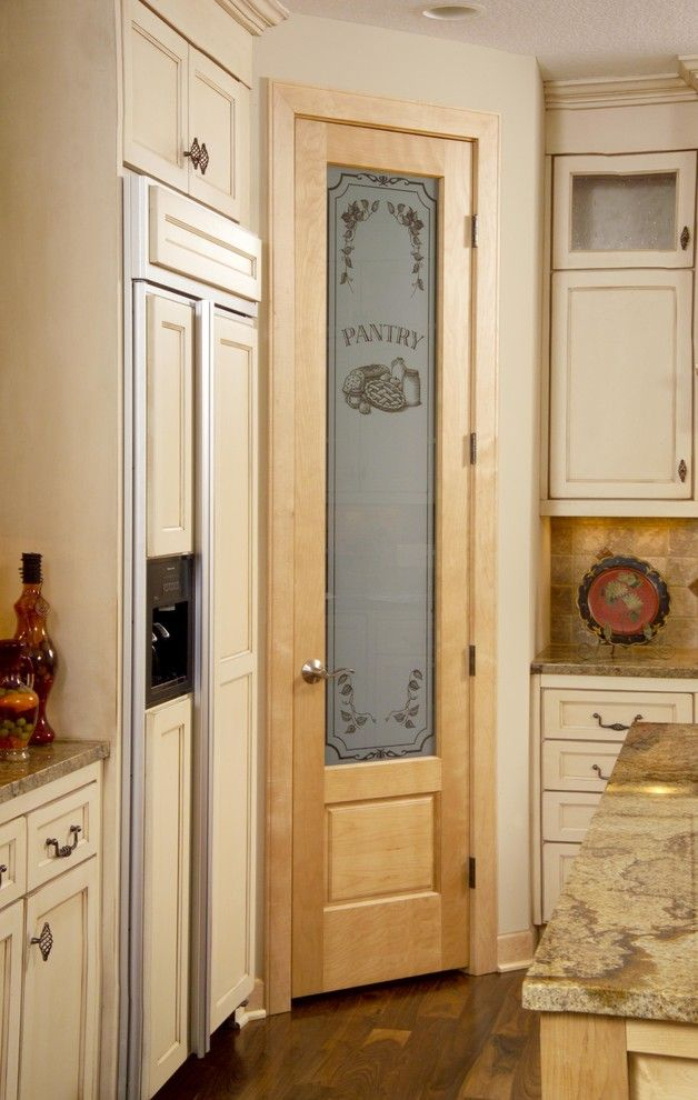 Birch Pantry Door with panel below. - traditional - kitchen - minneapolis - Stallion Doors and Millwork & 8/0 Birch Pantry Door with panel below. - traditional - kitchen ...