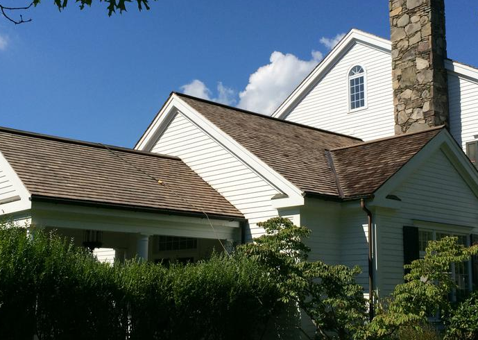 Best Get Your Cedar Shake Restoration In Wheaton Done Right The First Time Call American Roof 640 x 480