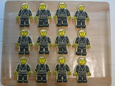 Cookies in the Cupboard: Lego meets Star Wars meets Cake Pops and 3D Cake!