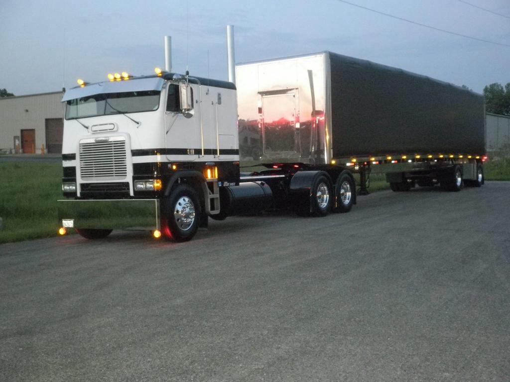 Freightliner cabover