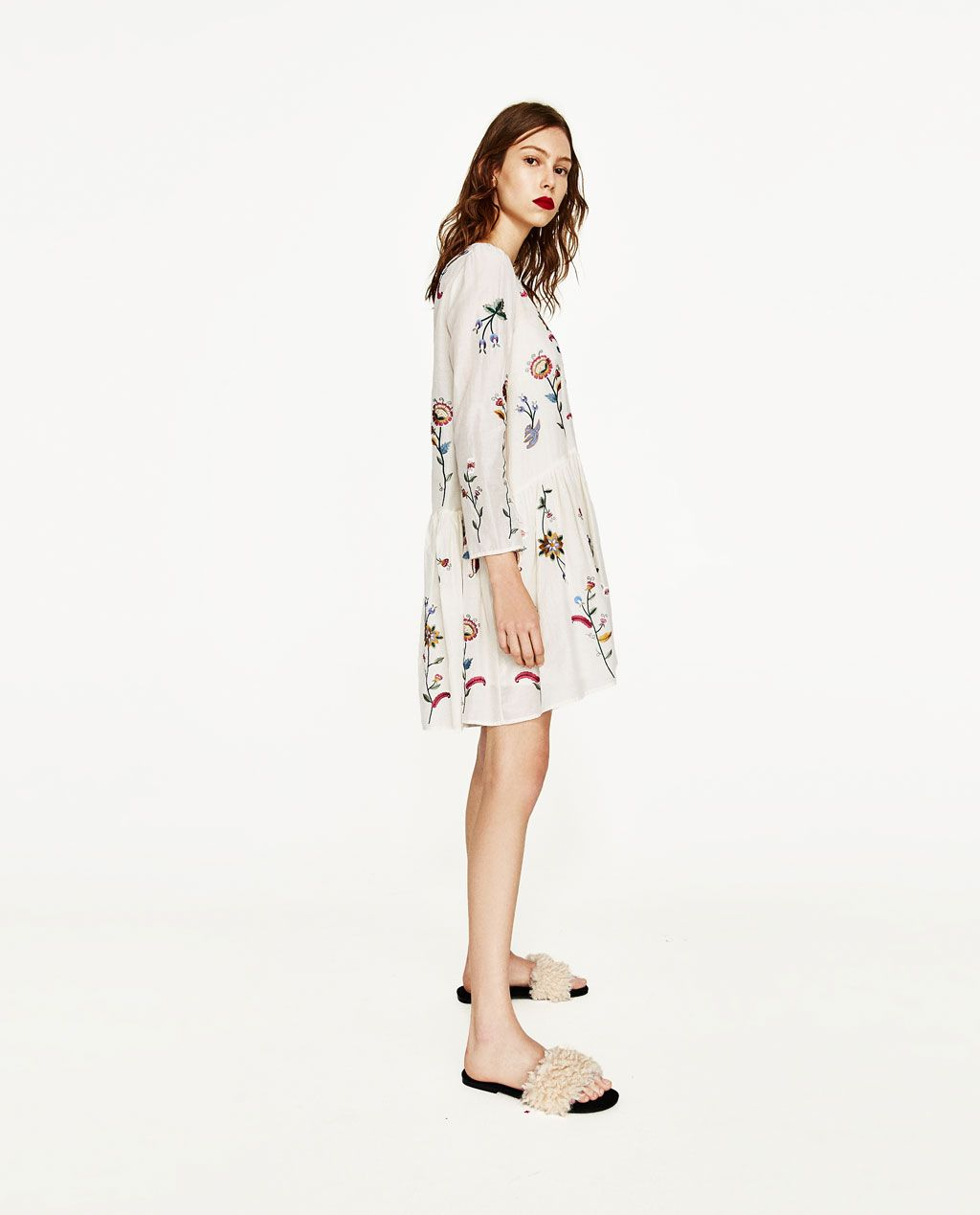 Zara платье с вышивкой белое