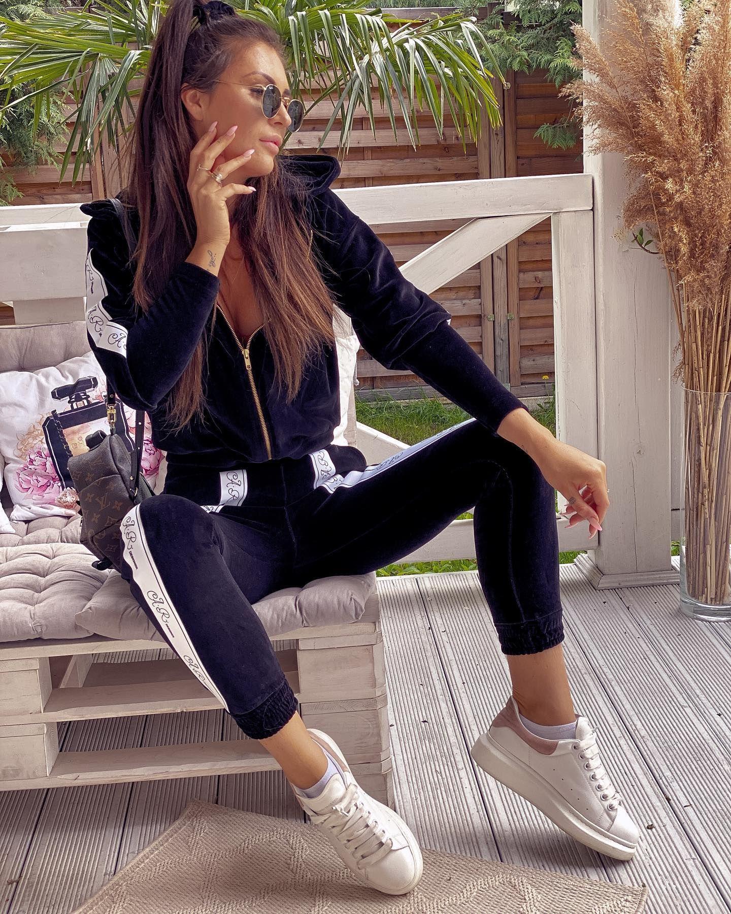 Premiera Nowej Kolekcji Czwartek 7 05 2020 Godz 18 00 Www Hollywooddream Pl Dresy Welurowe Nas Zachwycily Skinny Jeans Skinny Fashion