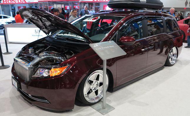Bisimoto Honda Odyssey Power Van Packs 1 029 Hp Honda Odyssey Honda 2014 Honda Odyssey