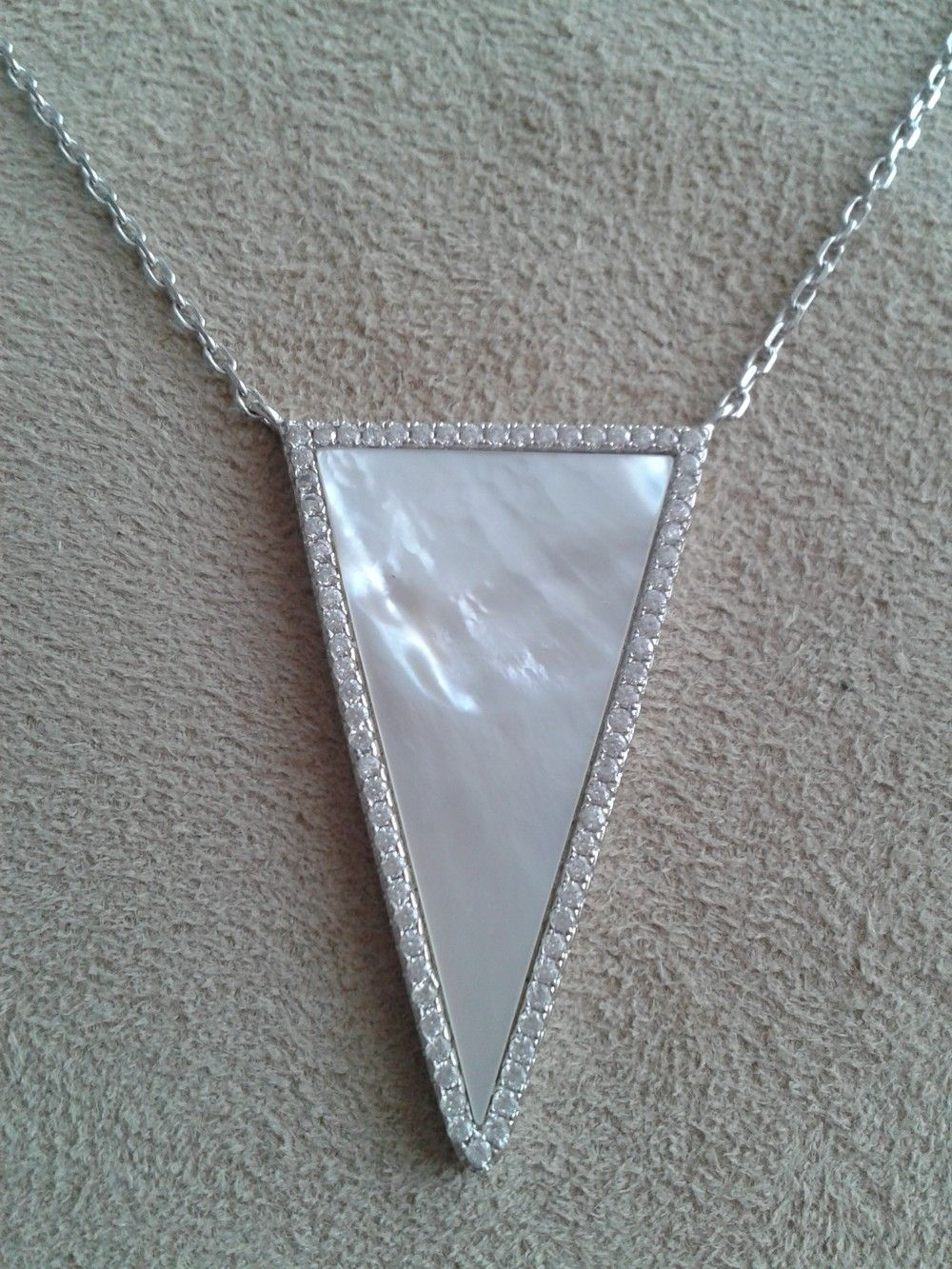 COLLIER ARGENT TRINITY via Taille Princesse. Click on the image to see more!