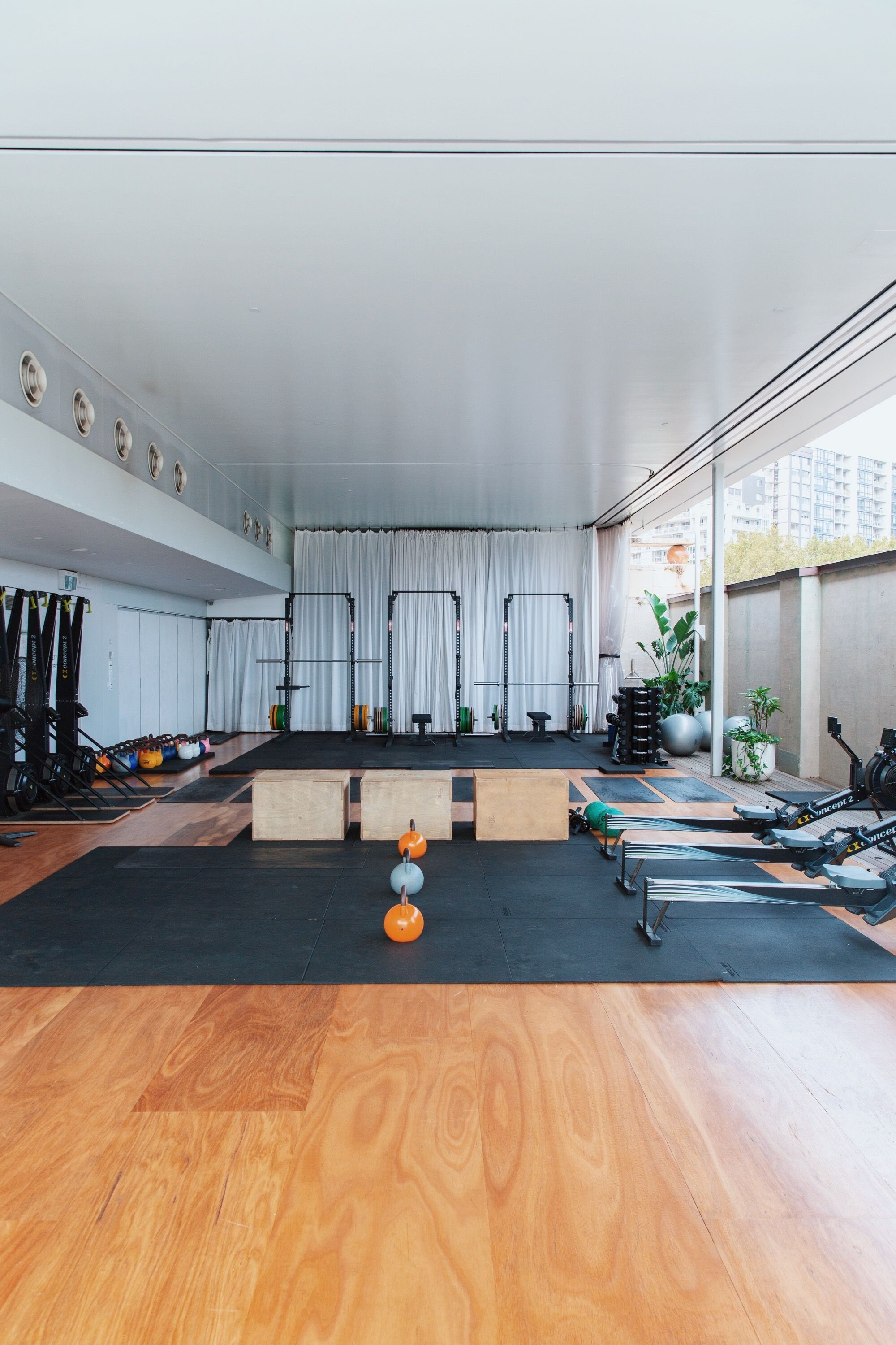 Sunset Strip Luxury Residence 9133 Oriole Way Los Angeles Ca Luxury Homegyms Home Gym Decor Gym Room At Home Home Gym Design