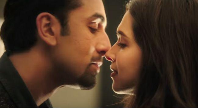 Ranbir And Deepika Kissing Photos Pics In Tamasha Kissing Scenes