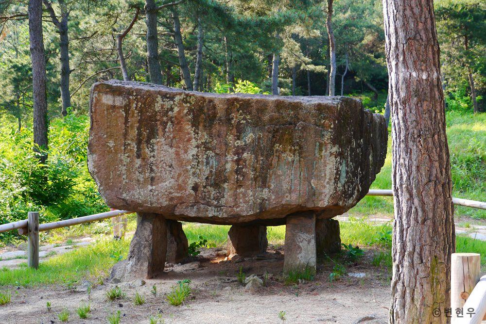 고창·화순·강화 고인돌 유적[Gochang, Hwasun and Ganghwa Dolmen Sites] - 고창 고인돌
