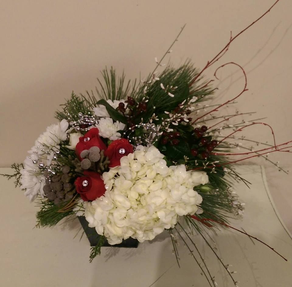 A very modern Christmas arrangement. Perfect for Holiday parties.