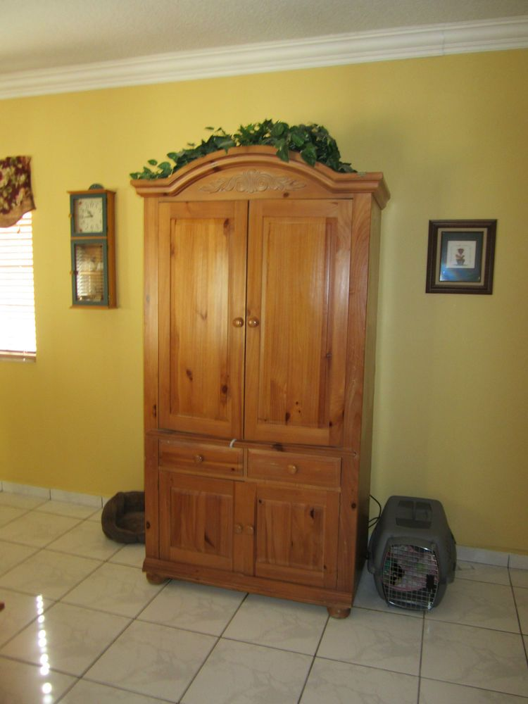 Broyhill Fontana Armoire Entertainment Center Local Pick Up In Miami Dade  EUC
