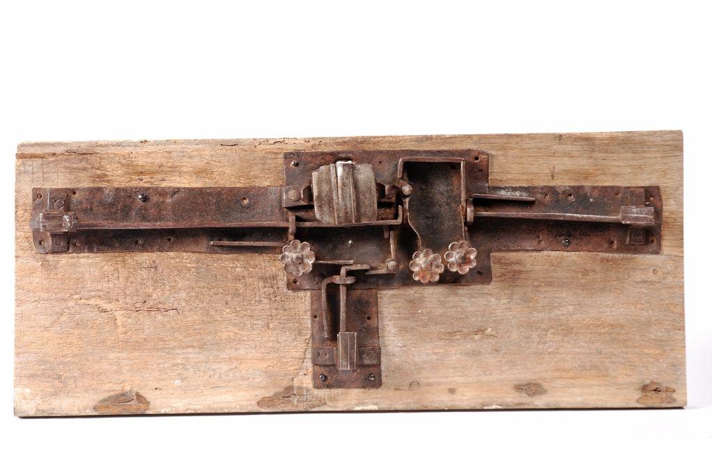 m canisme de serrure de coffre en fer forg trois p nes serrure anciennes 1 pinterest. Black Bedroom Furniture Sets. Home Design Ideas