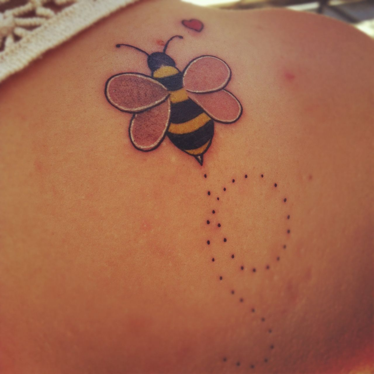 20 Lovely Simple Bumble Bee Tattoos Meaning Tattoo Ink Thinking