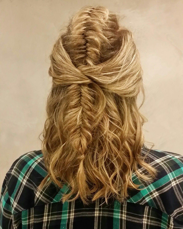 Peinado Para Pelos Cortos Semi Recogido Con Trenza Espiga - Peinado-semirecogido-con-trenza