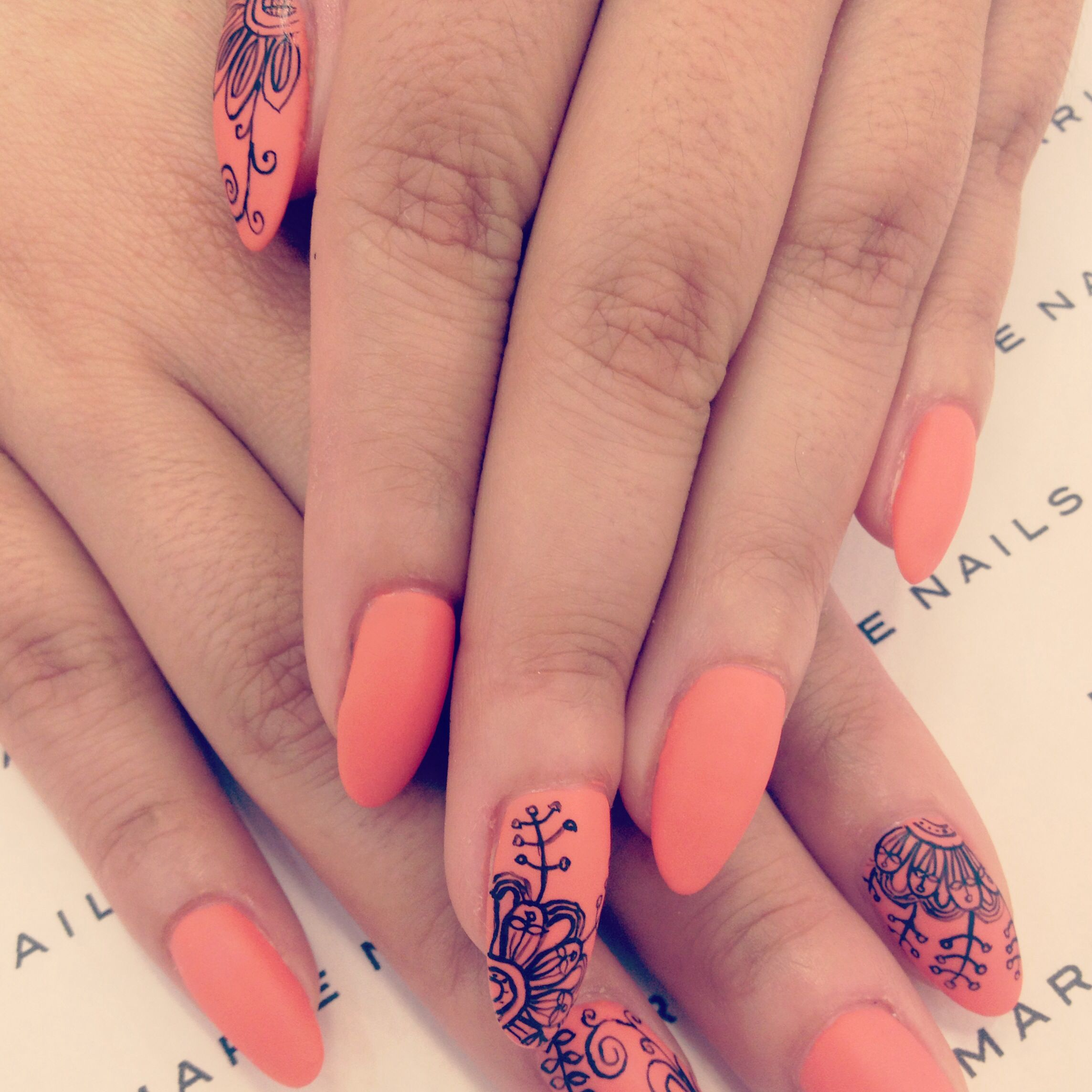 nathalies-paris   Henna nails, Henna, Henna tattoo