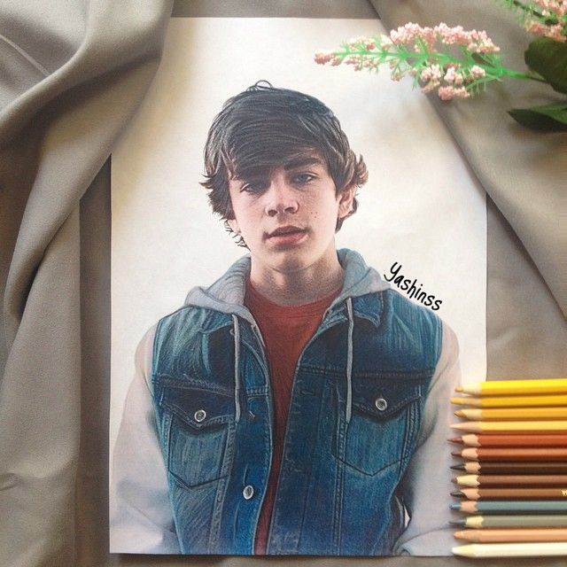 Here's my new art of handsome @hayesgrier  I've been drawing it for 21 hours and I really want Hayes to see my artwork. So if it's not hard for you, please tag him in comments below.  Тэгните @hayesgrier в комментариях пожалуйста