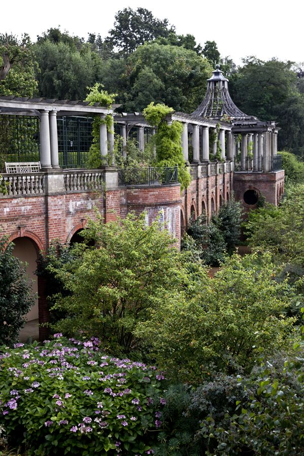 pergola & hill garden - hampstead - London.  I could spend a day in most of London's breathtaking parks.