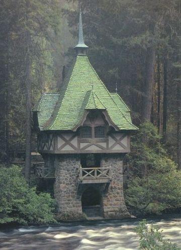 Teahouse Wyntoon Siskiyou County California Fairytale Cottage Architecture Beautiful Buildings